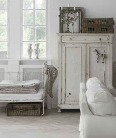 Living room - White (Brocante, Natural Light)