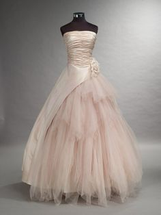 prettie-sweet:  (via Romantic Pink Wedding Dress with Tulle by WeddingDressFantasy)