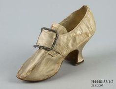 Buckle shoe, indoor, womens, silk satin / leather / [silver], with buckle, silver / steel, maker unknown, England, c. 1760-1769