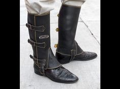 Hipster Loot: hand-made, vintage-style motorcycle boots | Hell for Leather