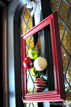 "Christmas Decorating Ornament Frame"" data-componentType=""MODAL_PIN"