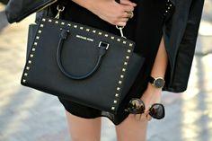 Michael Kors Selma Stud Messenger Medium Black Crossbody Bags