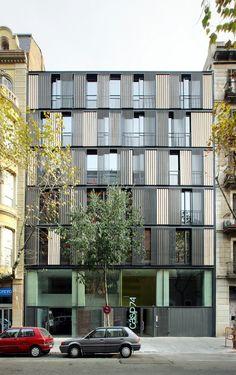 Edificio de Viviendas CASP 74 / Bach Arquitectes