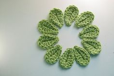 Ravelry: 2 Minute Leaf free pattern by Jessica Zeltner