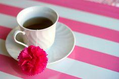 Mother's Day Brunch Idea: DIY Tea Poms | Julep