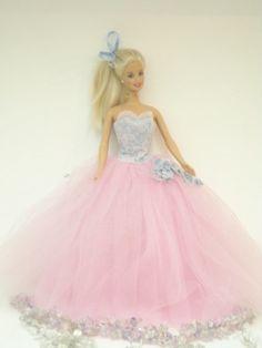Barbie quinceañera!! o.0 :)