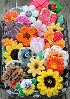 .Flower Garden Cookies  Learn how to create fabulous cakes, cupcakes, biscuits  more: www.mycakedecorat... #baking #biscuits #cookies