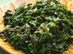 Basic Sauteed Kale with Garlic, Red Pepper and Vineagar by kitchendaily: Simply sauteed kale seasoned with the big blast of sherry vinegar is a deluxe combination. #Kale #Sauteed #Healthy