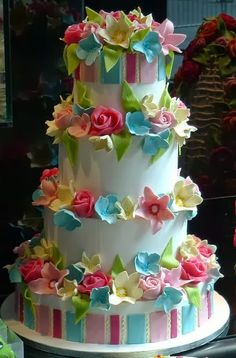 colorful flowers, wedding photography, flower cakes, wedding cakes, romantic weddings, summer weddings, summer cakes, cake recipes, birthday cakes