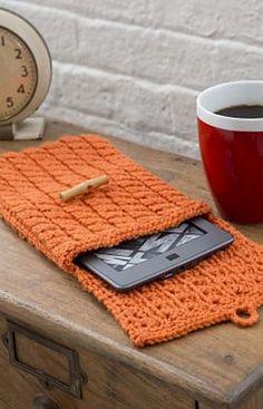 Cabled e-Reader Cozy, free pattern by Jodi Lewanda
