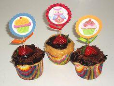Aprenda a fazer toppers para seus cupcakes.
