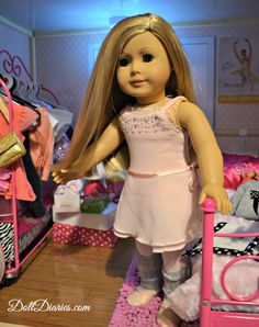 Isabelle Loves Maplelea's Pirouettes and Plies Outfit