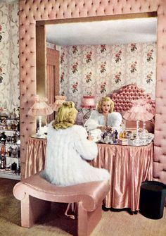 "I have never been a ""fashionista,"" but I still would LOVE a vintage vanity table! hollywood glamour, dream, vintage pink, vanities, vintage makeup, vintage vanity, vintage bedrooms, vanity tables, pink bedrooms"