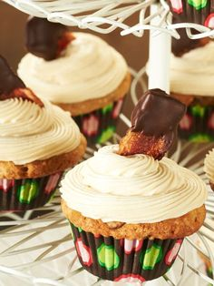 Maple Bacon Cupcakes with Cream Cheese Frosting! What's Your Favorite Sweet/Salty Treat?