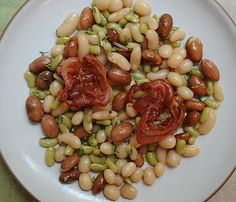Winter Salads That Will Keep You Full: Bean Salad With Pancetta #SelfMagazine