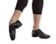 Ref: RV471  Revolution's premium Slip-On Jazz Shoe - Our only slip-on jazz shoe – lower cut than our slip-on jazz boots • Premium leather upper with breathable mesh panels • Elastic gore for easy, slip-on design.