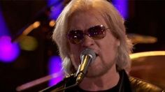 """The Voice: Hall and Oates: """"Rich Girl"""""""