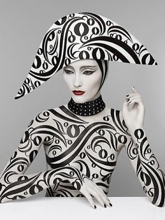 http://www.patriziodirenzo.com/ black n white, design concepts, di renzo, serge lutens, patrizio di, design art, fashion hats, serg luten, poisons