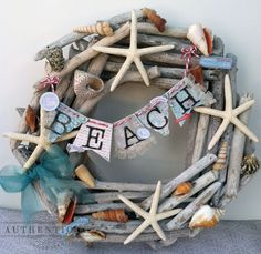 Driftwood wreath with beach banner.