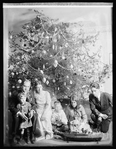 Christmas 1929.... check out the size of the tree  via @What I Like. @Danielle Van Zyl, looks like one of your trees!!! lol!