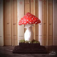 Amanite de bibliothèque....  Librairy Fly agaric, polymer clay and paper maché.   La fille du Consul http://lafilleduconsul.bigcartel.com/
