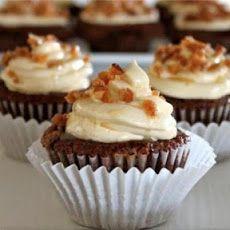 Chocolate Turtle Cupcakes