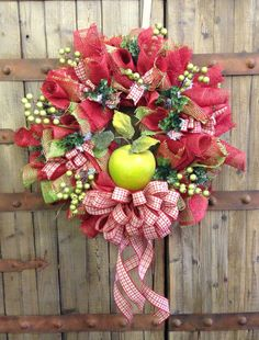 Sweet apple wreath by WilliamsFloral on Etsy, $79.00
