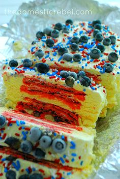 Only four ingredients, 5 if you add sprinkles :) 4th of July Pop tart cake