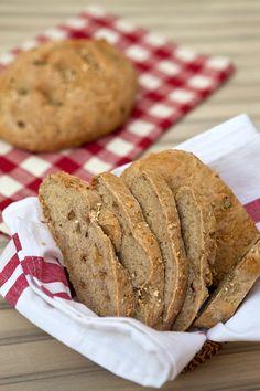 Italian Food Forever » Oat, Raisin & Walnut Bread