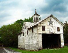 what a beautiful barn