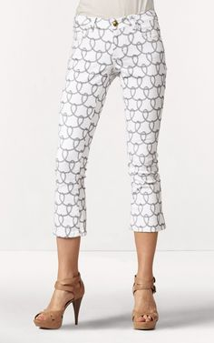 A must have this season...printed capris.  CAbi's Printed Bootlet Jean.  Great look!  I'm loving this season's collection!