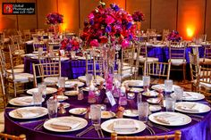 table setting again my FAV♥RITE :) love the deep purple table cloths and centerpieces