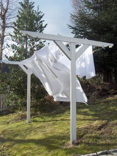 .love hanging clothes on the line