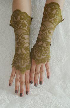 Green lace fingerless glove victorian glove vintage by WEDDINGHome, $30.00