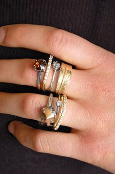#iosselliani #rings #stackedrings #jewelry #ringsonrings #love #feather