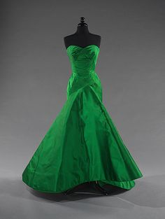 vintage couture of 1954 Charles James