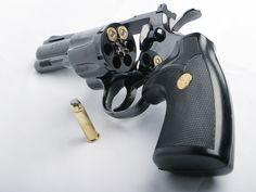 """Colt Python 4""""Bbl .357 Magnum DA/SA revolver"""