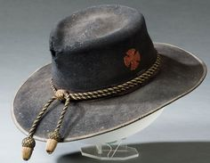 Union civil war slouch hat with red army Corps badge and black and gold hat cord to indicate commissioned officer