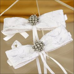 Accent Bows - Glamour Brooch - White