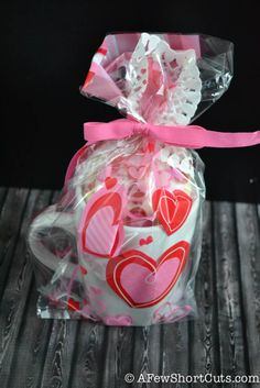 Thanks to A Few Short Cuts for these easy and affordable gift ideas! #givebakery #bakerybecause