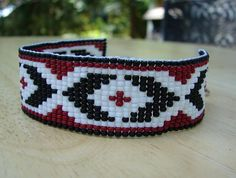 tried some bead weaving :)