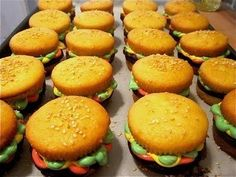 CUPCAKE BURGERS FOR YOUR MEMORIAL DAY BBQ!