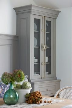 Evolution of Style: Tips + Tricks for Painting Oak Cabinets, love this paint colour, Galveston Gray