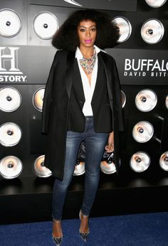 solange-knowles-giving us a vintage D. Ross vibe...
