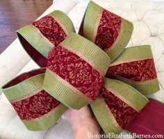 DIY holiday bow.  Making a large Christmas decoration bow.  Wired ribbon.  How to.