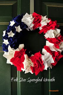 Housewife Eclectic: Felt Star Spangled Wreath