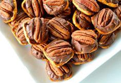 Those Pretzel Things Pecan Rollo Bites) Recipe - Food.com - 95220 - so simple and delicious!!!