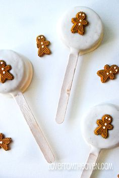 Gingerbread Oreo Pops by The Domestic Rebel @Christi | Love From The Oven