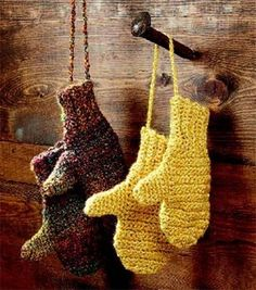crochet those mittens :)