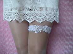 Wedding Accessories, White Lace Garter, Lace Wedding Garter, Bridal Garter, White Garter, White Lace with Pearls Garter, White Wedding